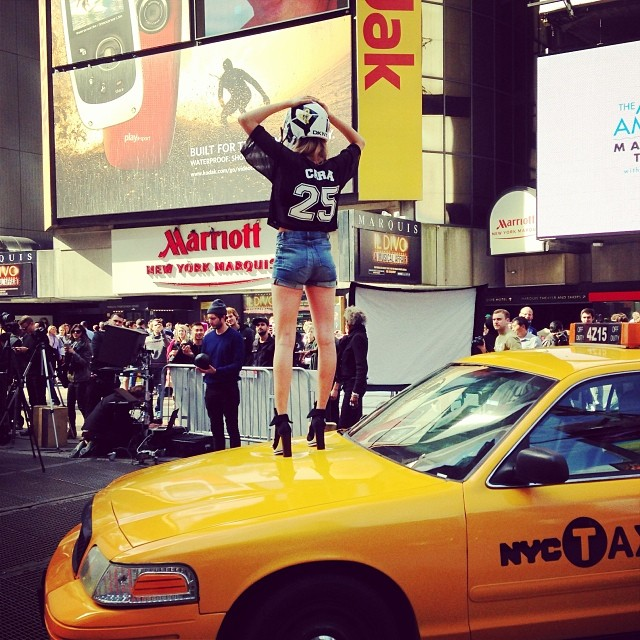 640x640xdkny-instagram7.jpg.pagespeed.ic.iGpYvmYPP5