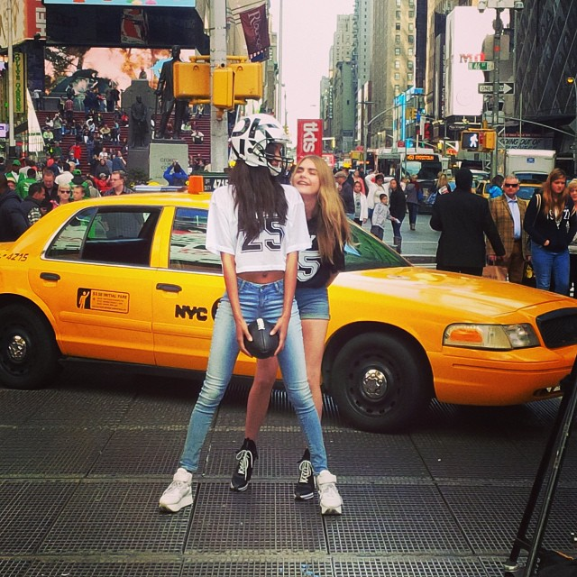 640x640xdkny-instagram8.jpg.pagespeed.ic.nVII8NSbw8