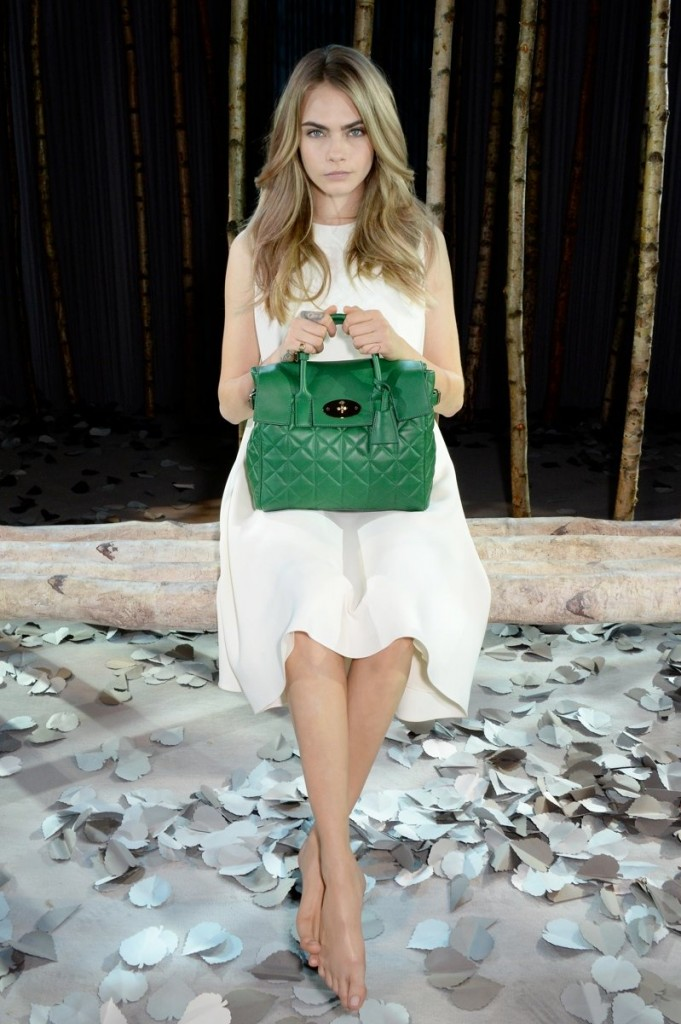cara-delevingne-mulberry-bag
